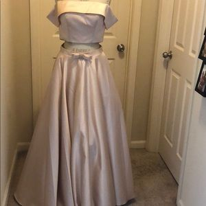 """Prom dress. ALTERED TO A 29"""" WAIST"""